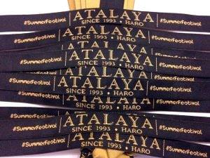 Pulseras-para-festivales-ATALAYA-SummerFestival-Pulseras-de-Tela-Personalizadas-Pulseras-Tejidas