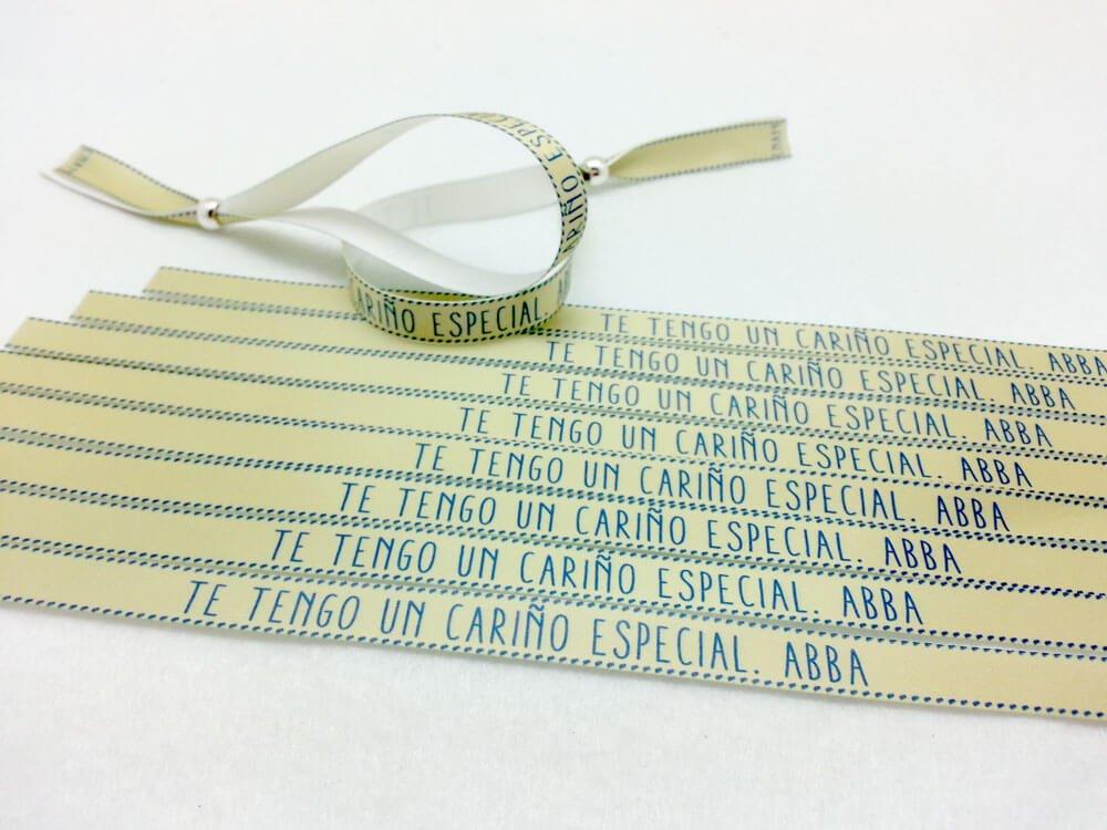 pulseras-de-tela-con-frases-TE-TENGO-UN-CARIÑO-ESPECIAL-ABBA
