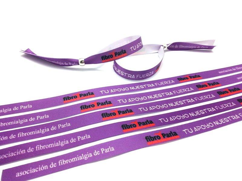 pulseras-de-tela-solidarias-Asociacion-de-Fibromialgia-de-Parla-pulseradetela-es