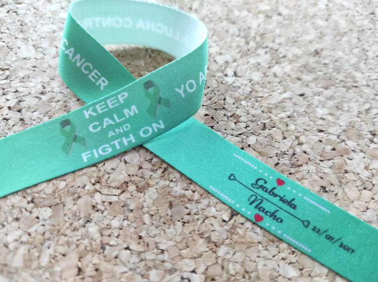 pulseras-de-tela-personalizadas-pulseras-para-bodas-KEEP-CALM-AND-FIGHT-ON-pulseradetela-es