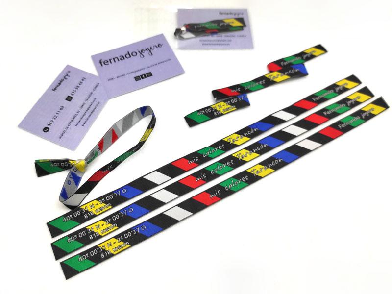 pulseras-de-tela-con-packaging-manipulacion-bolsa-carton-cierre-Fernando-Joyero-2-
