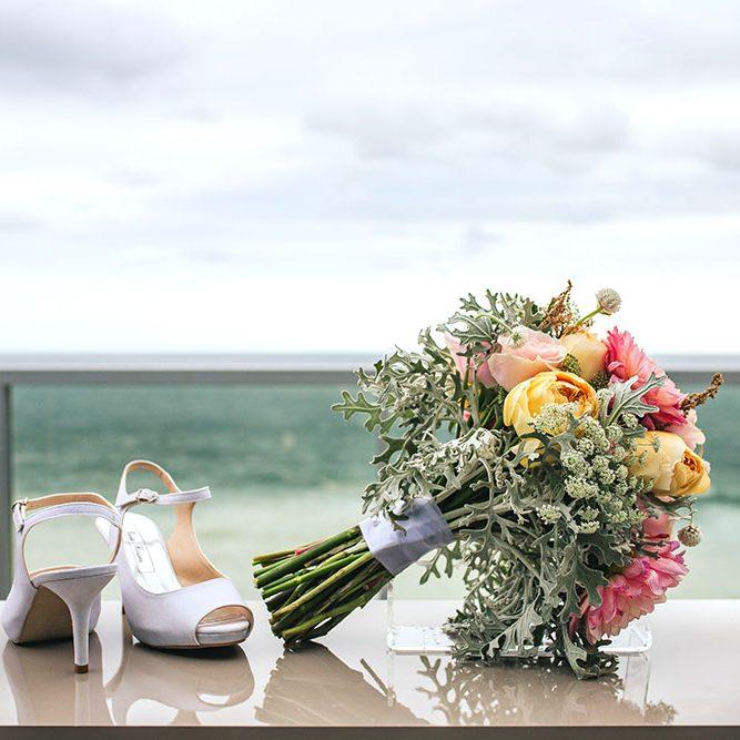 clienta-pulseras-para-bodas